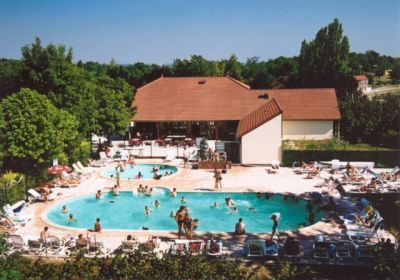 Images le tertre in dienville france champagne for Camping champagne ardennes avec piscine